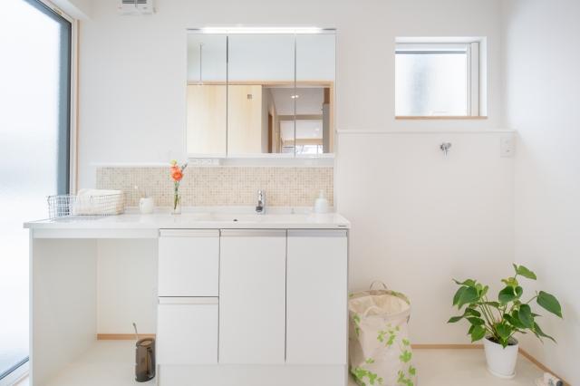 ゆったりとしたサンルーム兼洗面脱衣室
