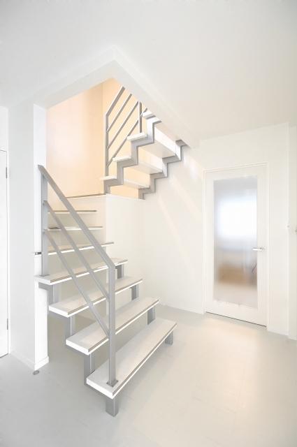 ストリップ階段にリフォーム