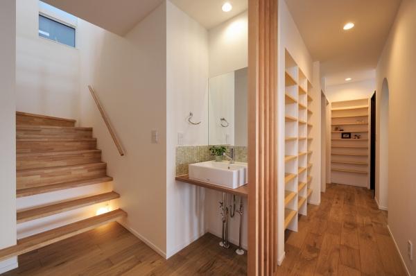 ホール・階段・手洗い・本棚