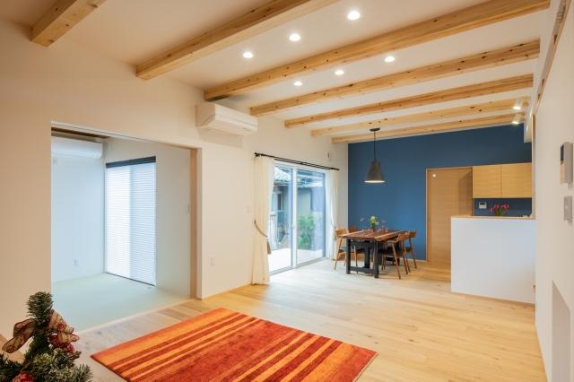 オーク材を使用した北欧テイストの家