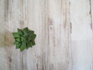 アンティークな白い床