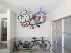 ロードバイクの吊り下げ収納