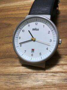 愛用しているバウハウスデザインの時計