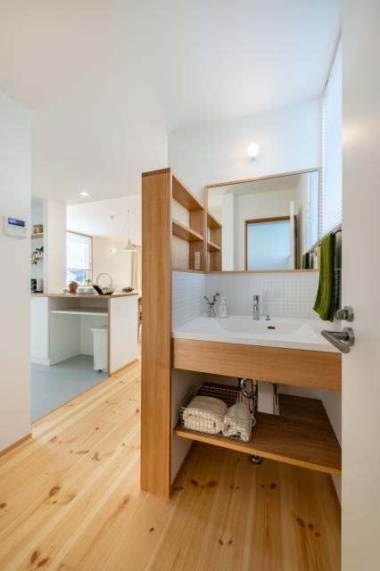 シンプルな造作洗面化粧台