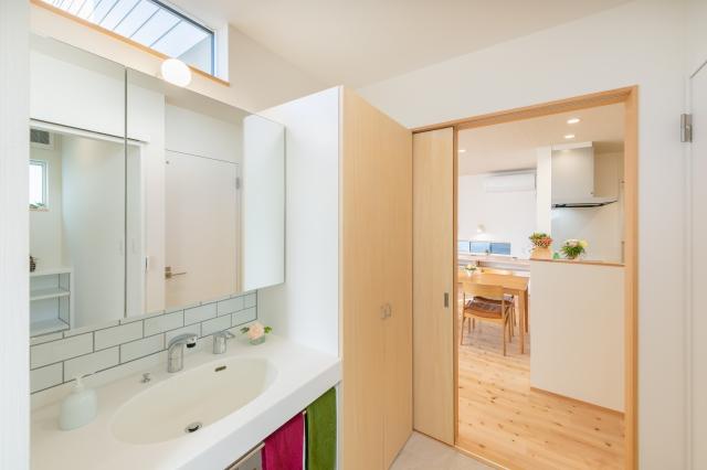 ZEHの家の洗面室