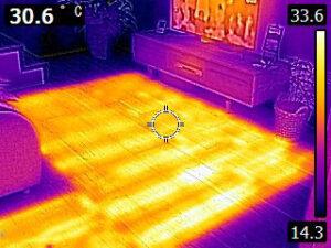 床暖房のサーモグラフィー