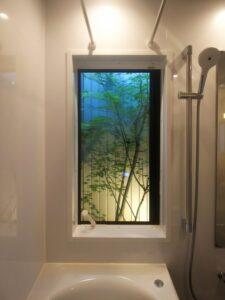 坪庭を楽しむ浴室リフォーム&リノベーション