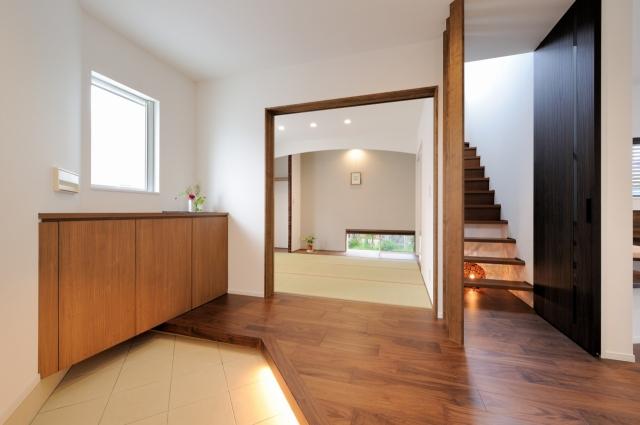 玄関・和室・階段