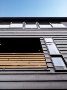 狭小住宅の3階建て外観