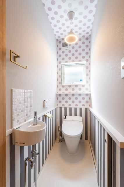 アクセントクロスの可愛い子トイレ