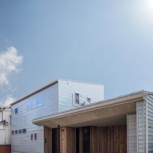 テーパーが印象的なデザイン住宅