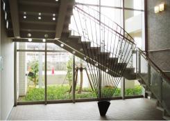 内観:階段